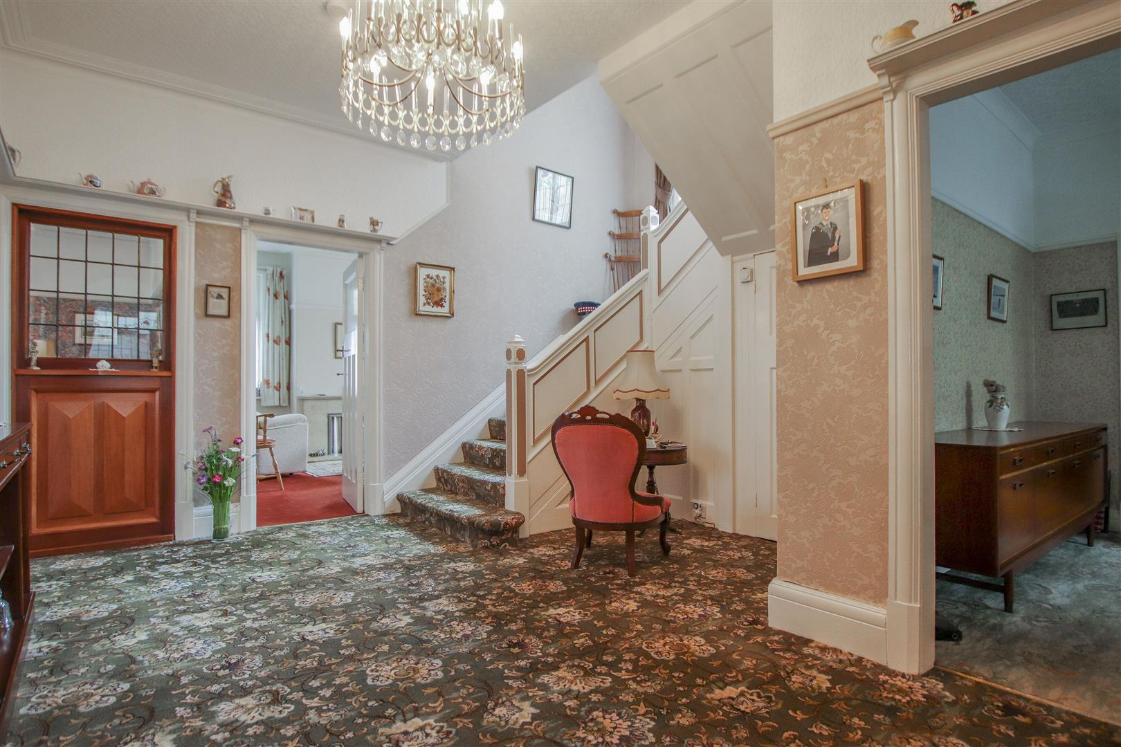 5 Bedroom Detached House For Sale - 4.JPG